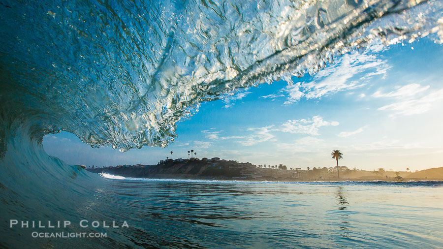 Breaking wave, Moonllght Beach, Encinitas, morning, barrel shaped surf, California