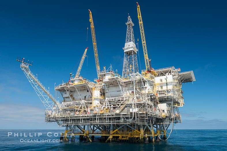 SCUBA Diving Beneath Oil Rigs Eureka, Ellen and Elly in Long Beach, California