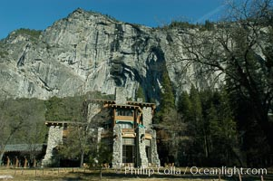 Ahwahnee Hotel and Royal Arches, Yosemite Valley. Ahwahnee, Yosemite National Park, California, USA, natural history stock photograph, photo id 06974