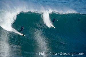 La Jolla Cove only breaks on really big swells.  Giant surf and big waves nail Southern California, December 21, 2005