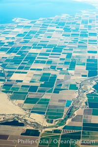 Brawley (right), Westmorland (center) and Salton Sea (top), farms, Imperial County
