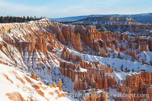 Bryce Canyon hoodoos line all sides of the Bryce Amphitheatre. Bryce Canyon National Park, Utah, USA, natural history stock photograph, photo id 18612