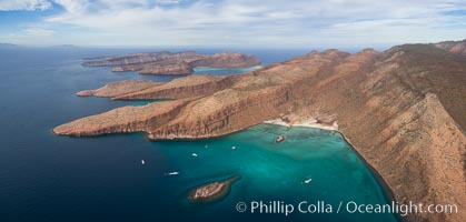 Caleta el Candelero, Candelero Bay, Isla Espritu Santo, Aerial Photo. Isla Espiritu Santo, Baja California, Mexico, natural history stock photograph, photo id 32465