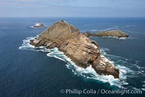 Middle Coronado Island, viewed from the south. Coronado Islands (Islas Coronado), Coronado Islands, Baja California, Mexico, natural history stock photograph, photo id 21322