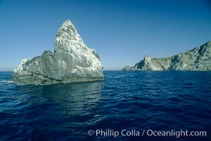 Eagle Rock. Catalina Island, California, USA, natural history stock photograph, photo id 05519