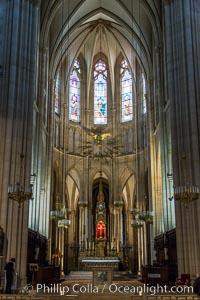 Eglise, interior. Paris, France, natural history stock photograph, photo id 28159