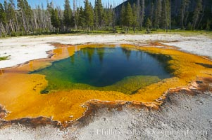 Emerald Pool, Black Sand Basin, Yellowstone National Park, Wyoming