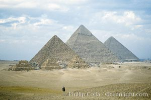Great pyramids, Giza, Egypt.  Pyramids of Queens, Pyramid of Menkaure, Pyramid of Khafre, Pyramid of Khufu (left to right, front to back)