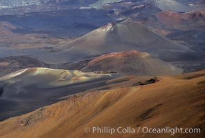 Haleakala volcano crater. Maui, Hawaii, USA, natural history stock photograph, photo id 05594