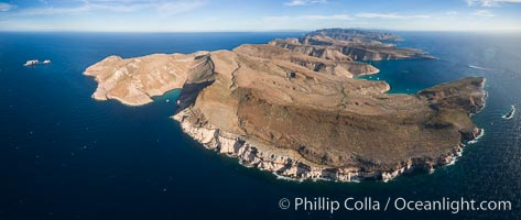Isla Partida Aerial Photo, Playa Embudo and Los Islotes (left), Ensenada Grande (right), Sea of Cortez. Isla Partida, Baja California, Mexico, natural history stock photograph, photo id 32450