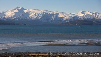 Kachemak Bay, Kenai Mountains, tide flats and rocky beach, Homer, Alaska