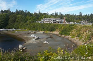 Kalaloch Lodge sits atop bluffs overlooking the Kalaloch River and Pacific Ocean. Kalaloch, Olympic National Park, Washington, USA, natural history stock photograph, photo id 13784