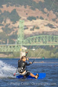 Kite boarding, Hood River, Columbia River