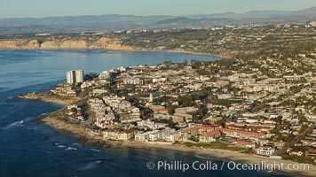 The La Jolla Coast, sometimes referred to as the Riviera of San Diego, is some of the most beautiful residental coastline in all of Southern California. La Jolla, California, USA, natural history stock photograph, photo id 22314
