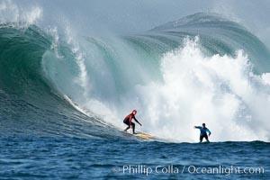 Tyler Smith (red) and Matt Ambrose (blue), final round, Mavericks surf contest, February 7, 2006, Half Moon Bay, California