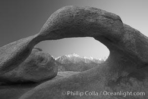 Moebius Arch, a natural rock arch found amid the spectacular granite and metamorphose stone formations of the Alabama Hills, near the eastern Sierra town of Lone Pine, Alabama Hills Recreational Area