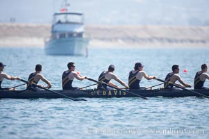 UC Davis prepares for the final of the men's JV finals, 2007 San Diego Crew Classic, Mission Bay