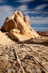 Sandstone ridges and fins, in the White Domes section of Valley of Fire State Park