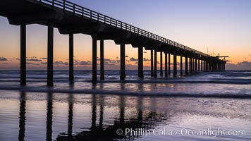 Scripps Pier at sunset. Scripps Institution of Oceanography, La Jolla, California, USA, natural history stock photograph, photo id 29172