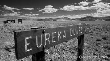 Sign to Eureka Dunes and Eureka Valley. Eureka Valley, Death Valley National Park, California, USA, natural history stock photograph, photo id 25389