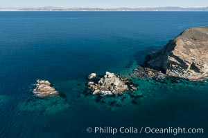 South Coronado Island, Mexico, northern point showing underwater reef structure, aerial photograph, Coronado Islands (Islas Coronado)
