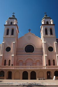St. Mary's Basilica, in downtown Phoenix adjacent to the Phoenix Convention Center.  The Church of the Immaculate Conception of the Blessed Virgin Mary, founded in 1881, built in 1914, elevated to a minor basilica by Pope John Paul II in 1987. Phoenix, Arizona, USA, natural history stock photograph, photo id 23191