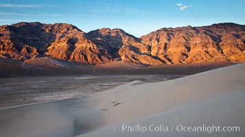 Sunset on the Last Chance Mountain Range, seen from Eureka Valley Sand Dunes. Eureka Dunes, Death Valley National Park, California, USA, natural history stock photograph, photo id 25351