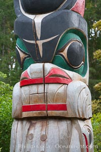 Totem pole, Butchart Gardens, Victoria, British Columbia, Canada
