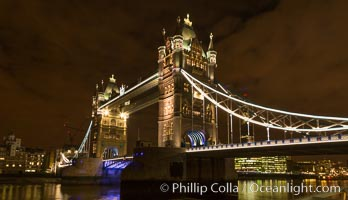 Tower Bridge, Tower of London