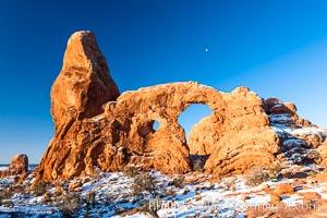 Turret Arch, winter, sunrise, Arches National Park, Utah