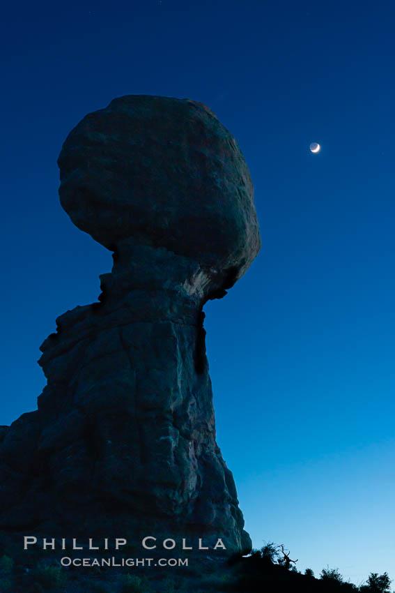 Balanced Rock and Moon at night, Arches National Park. Balanced Rock, natural history stock photograph, photo id 29307