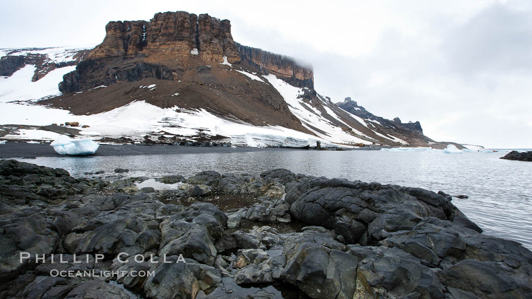 Brown Bluff and rocky coastline, intertidal zone. Brown Bluff, Antarctic Peninsula, Antarctica, natural history stock photograph, photo id 24872