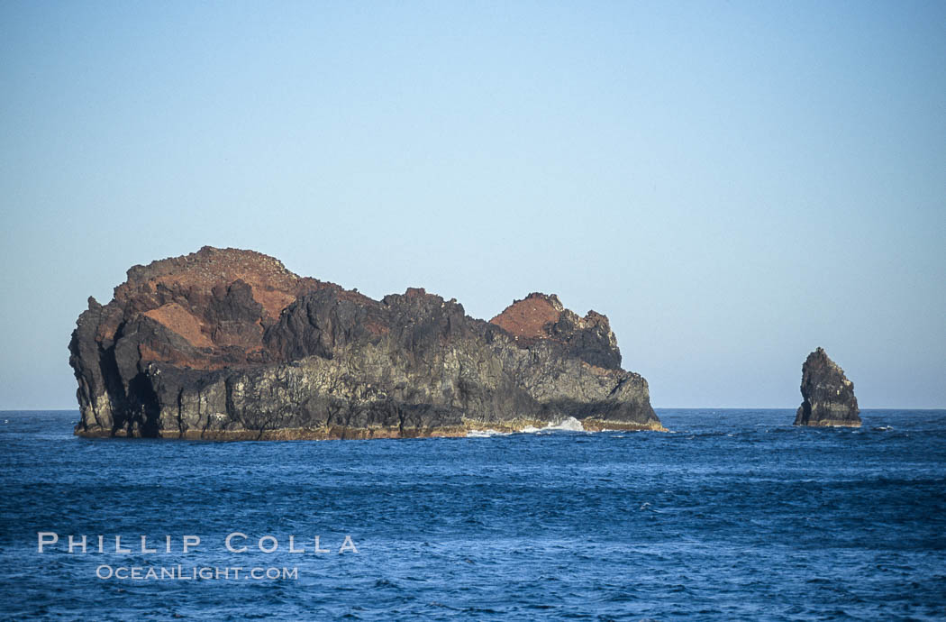 Church Rock (left) and Roca del Skip (Skips Rock, right), near Isla Adentro.,  Copyright Phillip Colla, image #09762, all rights reserved worldwide.