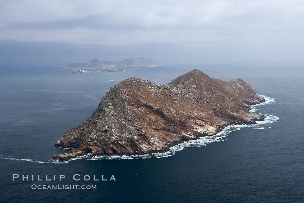coronado-islands-mexico-aerial-photo-21320-909105.jpg