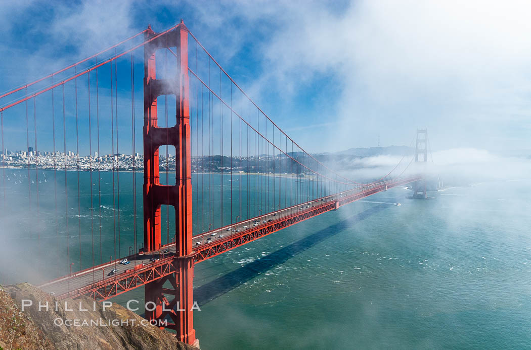 san francisco golden gate bridge fog. San Franciscos