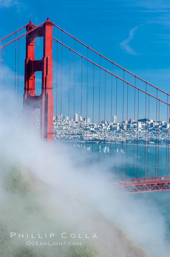 san francisco golden gate bridge fog. San Franciscos