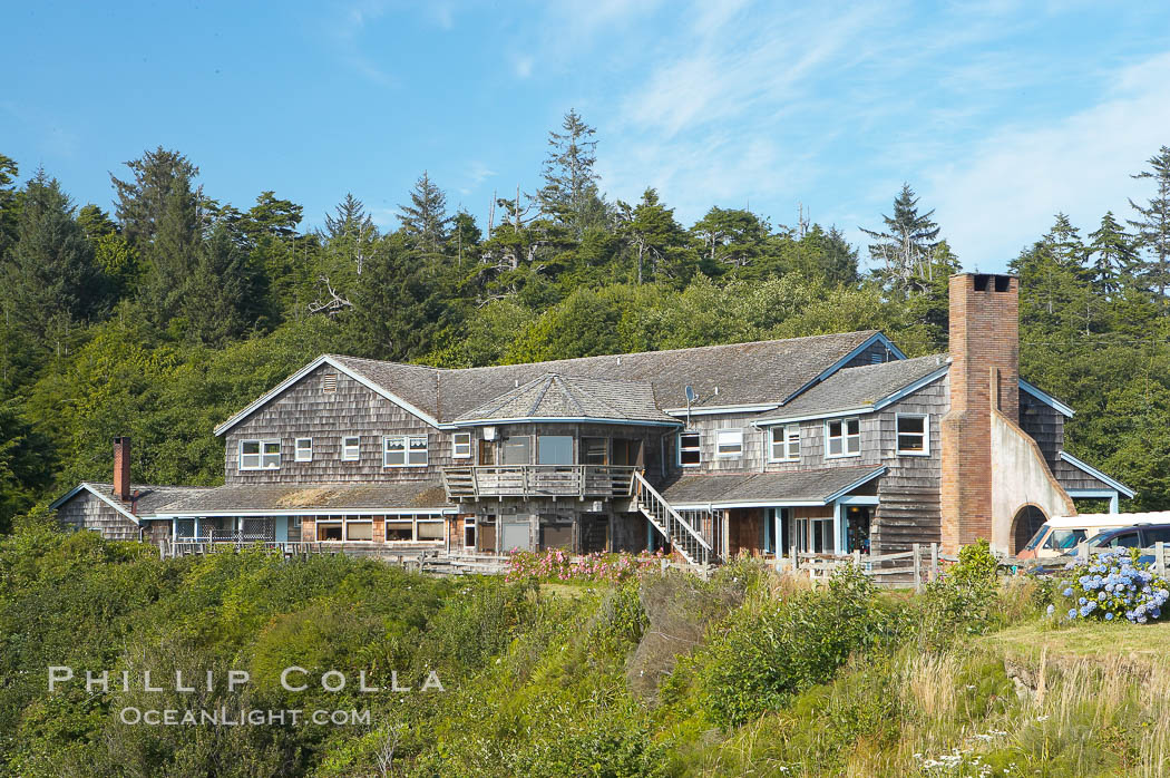 Kalaloch Lodge sits atop bluffs overlooking the Kalaloch River and Pacific Ocean. Kalaloch, Olympic National Park, Washington, USA, natural history stock photograph, photo id 13781