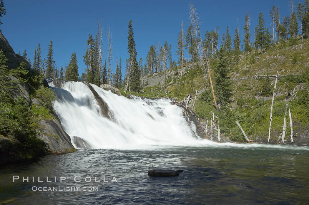 Lewis Falls drops 30 feet on the Lewis River, near the south entrance to Yellowstone National Park. Wyoming, USA, natural history stock photograph, photo id 13292