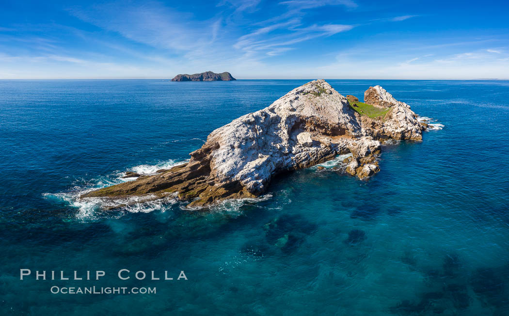 Middle Coronado Rock Island, aerial photo. Coronado Islands (Islas Coronado), Baja California, Mexico, natural history stock photograph, photo id 35085