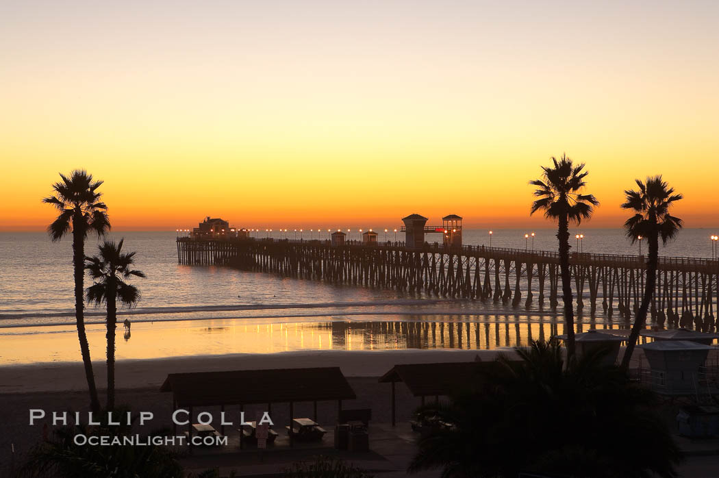 Oceanside Pier at dusk, sunset, night.  Oceanside.,  Copyright Phillip Colla, image #14629, all rights reserved worldwide.