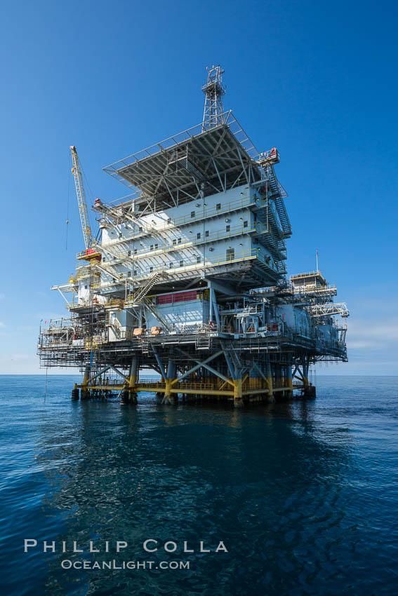 Oil Rig Eureka, 8.5 miles off Long Beach, California, lies in 720' of water