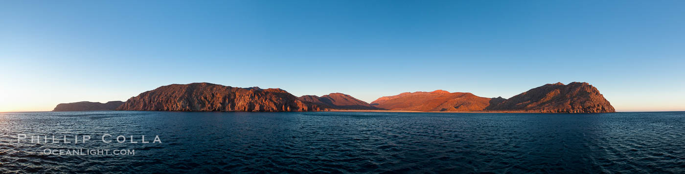 Isla Partida, Sea of Cortez coastal scenic panorama, near La Paz, Baja California, Mexico, part of the Espiritu Santo Biosphere Reserve