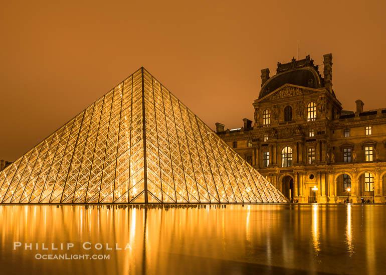 Louvre Pyramid at Night, Pyramide du Louvre a Nuit, Paris