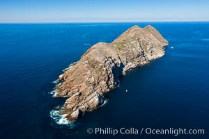 Aerial Photo of North Coronado Island, southern point looking north, Baja California, Mexico. Coronado Islands (Islas Coronado), Coronado Islands, Baja California, Mexico, natural history stock photograph, photo id 34572