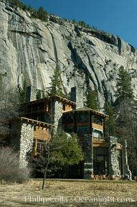 Ahwahnee Hotel and Royal Arches, Yosemite Valley, Yosemite National Park, California