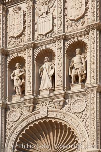 Detail of the facade of the San Diego Museum of Art depicting the 17th century Spanish Baroque painters Velazquez, Murillo and Zurbaran. Balboa Park