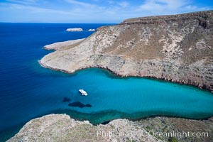 Boat Ambar in Ensenada el Embudo, Aerial Photo, Isla Partida, Sea of Cortez