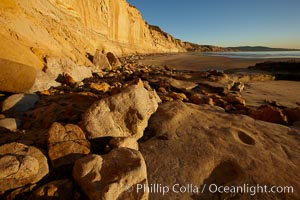 Boulders and sandstone cliffs, Torrey Pines State Beach, Torrey Pines State Reserve, San Diego, California