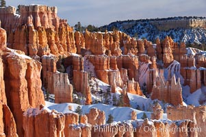 Bryce Canyon hoodoos line all sides of the Bryce Amphitheatre. Bryce Canyon National Park, Utah, USA, natural history stock photograph, photo id 18618