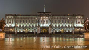 Buckingham Palace at Night, London, United Kingdom